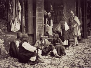 ph_pal013_Paramithia_Marketplace_1915