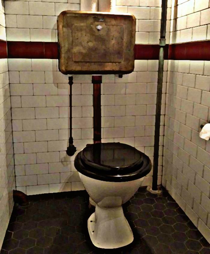 bakelite-toilet-donnys-e1461630657606